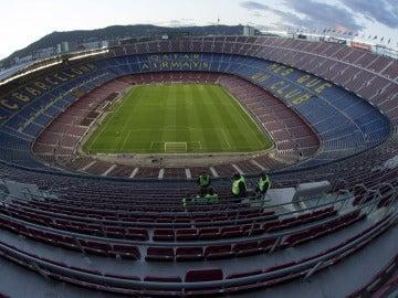 El Camp Nou, pendiente de si se celebra el partido contra Las Palmas