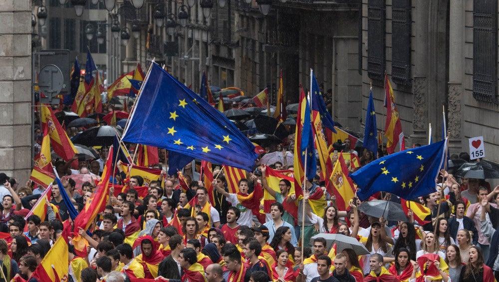 Manifestación en Barcelona contra el referéndum ilegal