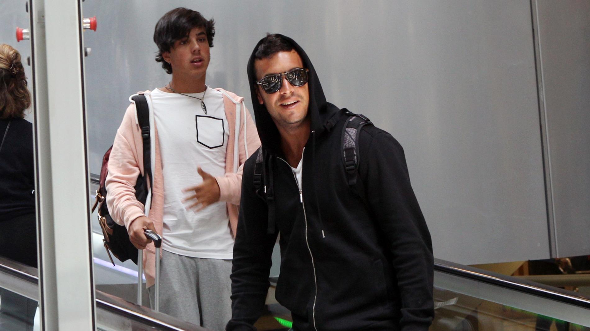 Mario Casas y su hermano Óscar