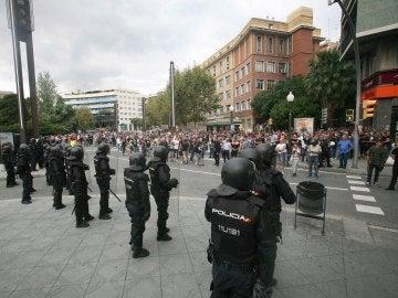 Guardias Civiles durante el referendum del 1-O