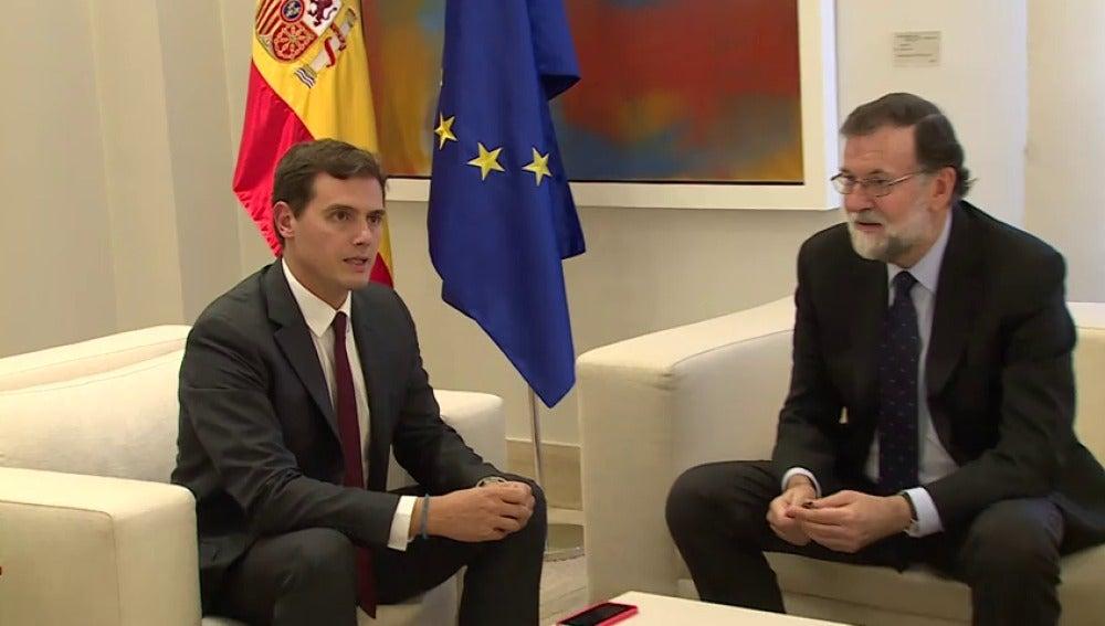 Mariano Rajoy recibe a Pedro Sánchez y Albert Rivera esta tarde en La Moncloa