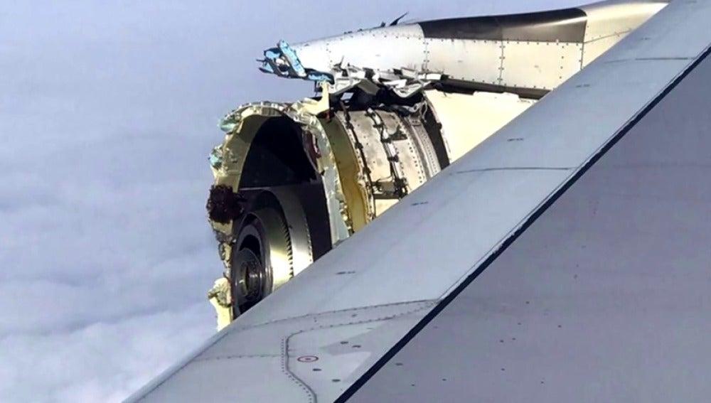 Un avión de Air France aterriza de emergencia en Canadá al explotarle el motor mientras surcaba el Atlántico