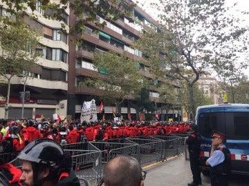 Manifestantes en Barcelona por la huelga general