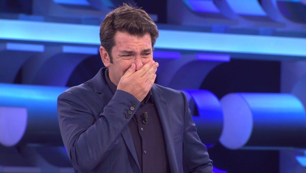 """Arturo Valls rompe a """"llorar"""" con la ganadora del especial '¡Ahora Caigo!' Aragón"""