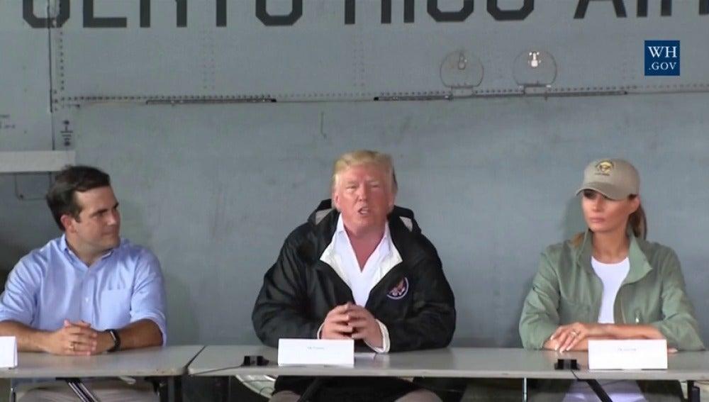 Trump llega a Puerto Rico once días después del paso del huracán