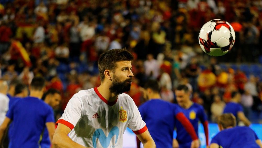 Gerard Piqué, antes del España - Albania