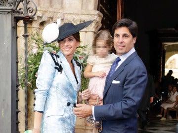 Lourdes Montes con Francisco Rivera y su hija Carmen