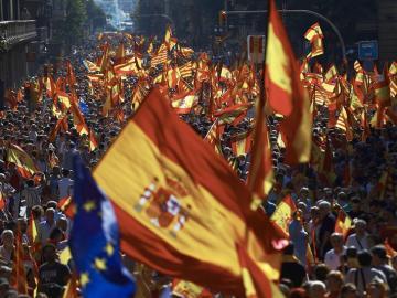 Vista de los participantes en la manifestación convocada por Societat Civil Catalana