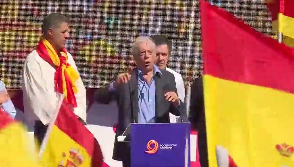 """Vargas Llosa: """"Se necesita mucho más que una conjura independentista para destruir 500 años de historia"""""""
