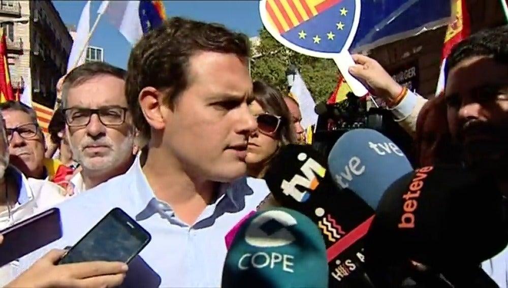 Albert Rivera agradece al Govern y a la CUP que hayan unido a los españoles