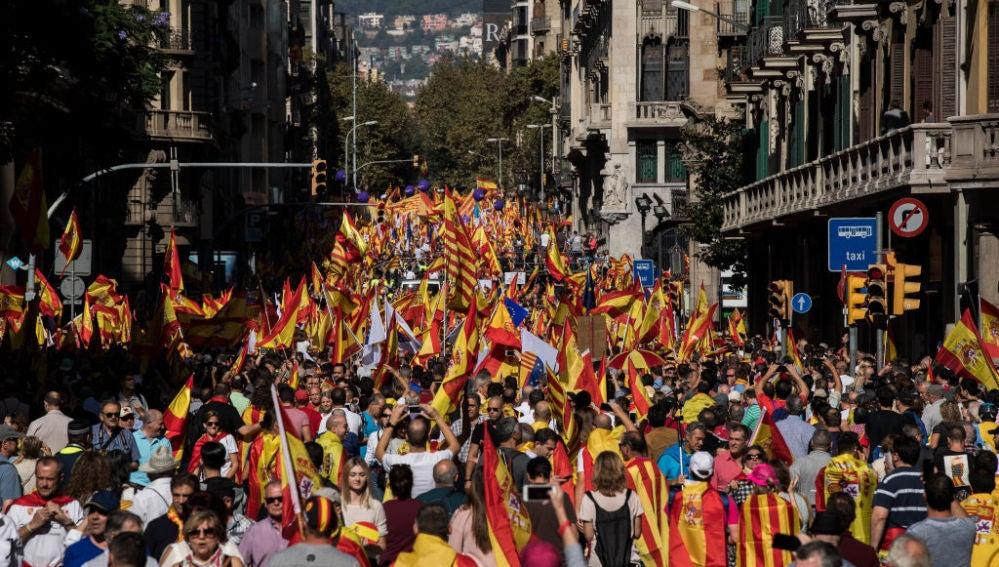 Las calles de Barcelona, llenas de banderas