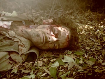Javier es alcanzado por un bombardeo en Vietnam