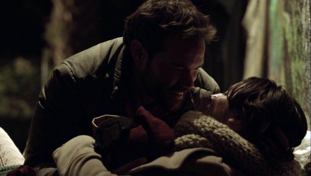 Ribero se hace cargo del bebé de María