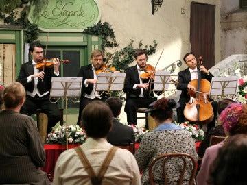 Así se vivió el concierto dedicado a Raimundo en la plaza del pueblo