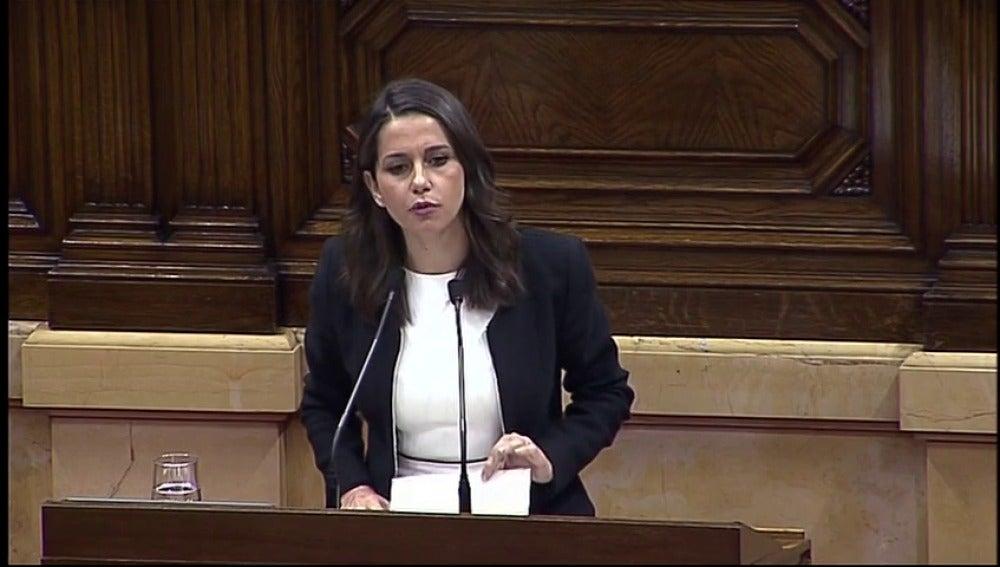 """Arrimadas: """"La de Cataluña no es una mayoría silenciosa, sino silenciada"""""""