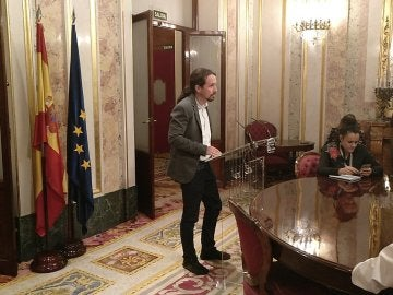 """Iglesias agradece a Puigdemont """"no haya habido DUI"""" y pide a Rajoy diálogo"""