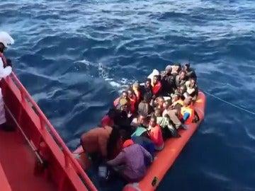 Casi 300 inmigrantes intentan llegar a España en patera en los últimos dos días