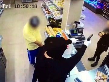 Un detenido tras atracar con una pistola de fogueo  en un supermercado de Barcelona