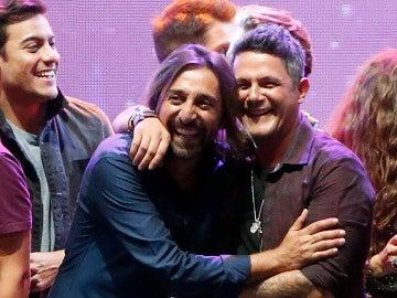 Antonio Carmona junto a Alejandro Sanz