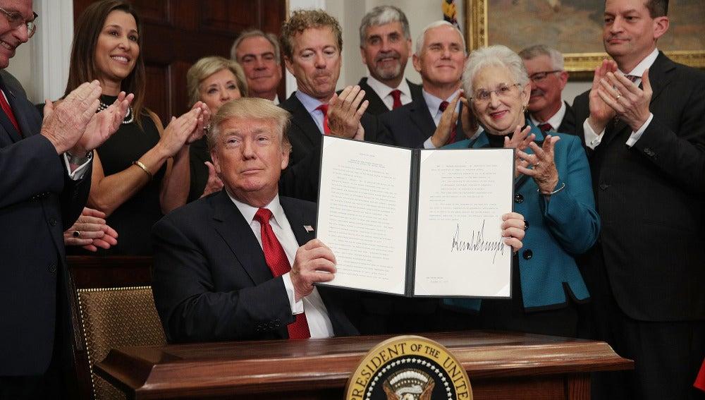 Donald Trump mantiene su lucha contra el Obamacare