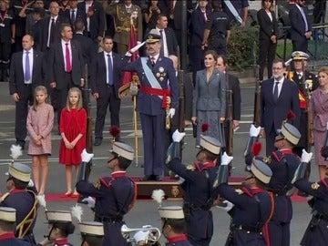 Los Reyes presiden el desfile del 12 de octubre bajo el lema 'Orgullosos de ser españoles'
