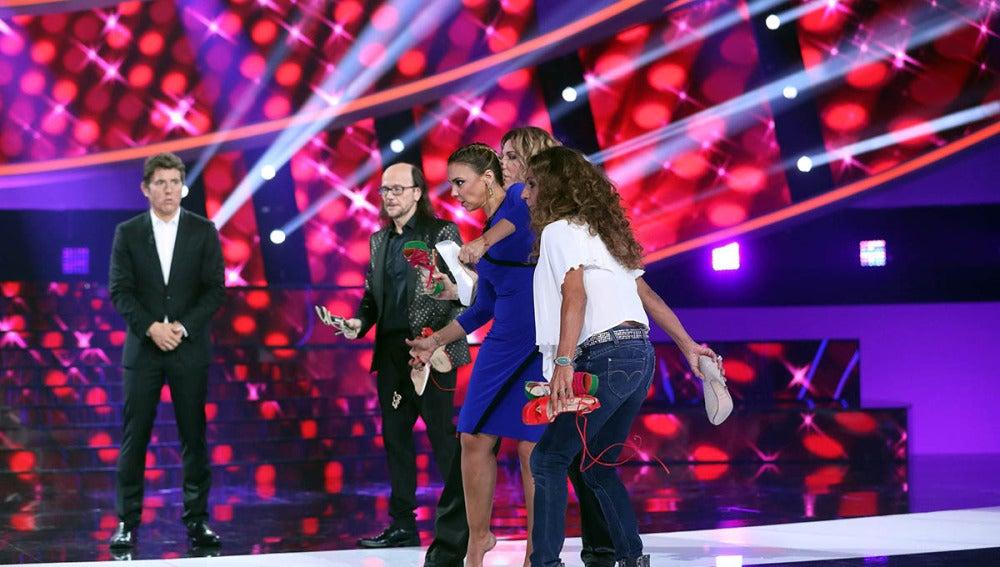 Chenoa, Lolita y 'Céline Dion' enloquecen lanzando zapatos a Àngel Llàcer