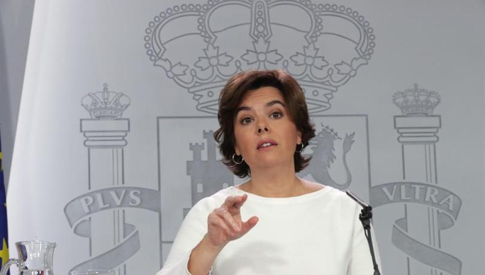 La vicepresidenta del Gobierno, Soraya Sáenz de Santamaría, durante una rueda de prensa posterior al Consejo de Ministros