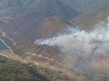 El fuego de Matalavilla (León) alcanza una zona habitada por osos y urogallos