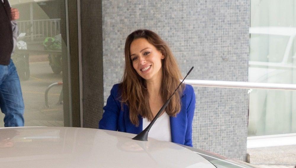 Eva González a su llegada al hospital