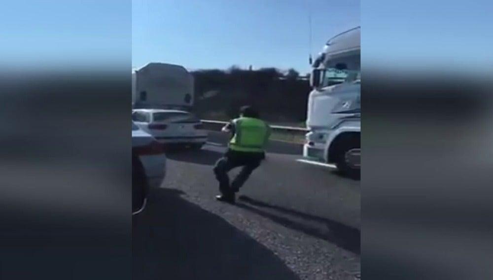 La Guardia Civil detiene a dos atracadores en la A-62
