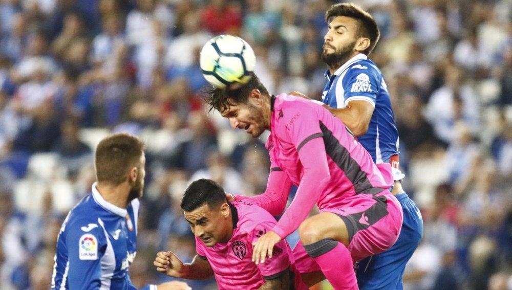 Levante y Espanyol no pudieron pasar del empate a cero