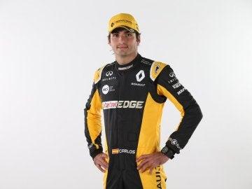 Carlos Sainz viste de Renault