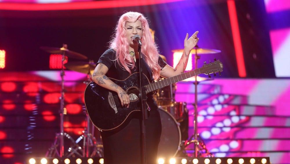 Una rockera Paula Rojo revoluciona el plató convertida en Elle King