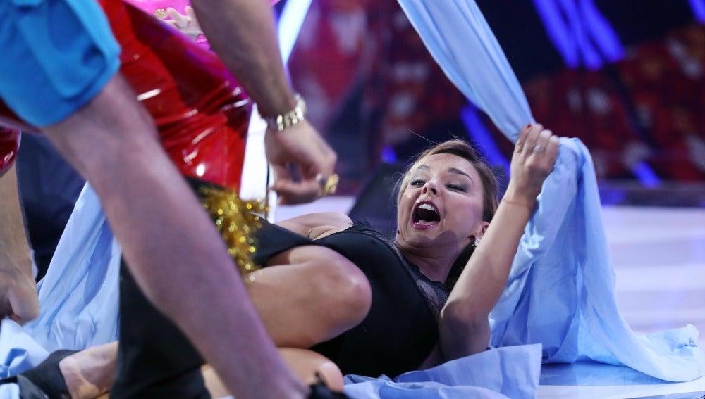 Terror y locura en la carrera de sábanas más peculiar en 'Tu cara me suena'
