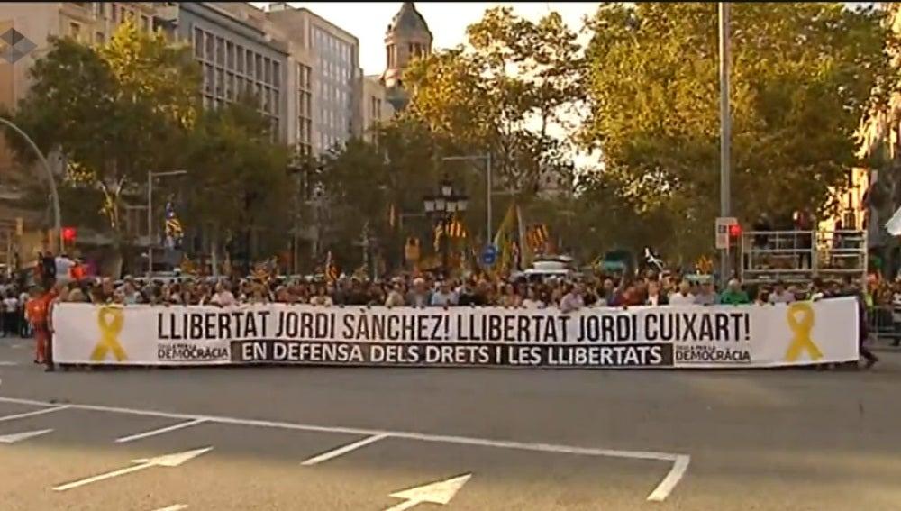Manifestación en Barcelona por la liberación de los 'Jordis' y en contra de la aplicación del 155