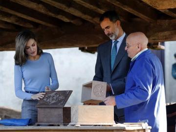 Los Reyes Felipe VI y Letizia en un acto en Asturias