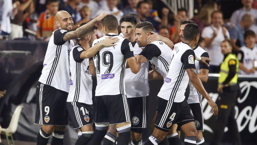 El Valencia celebra un gol