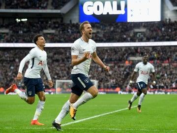 Harry Kane celebra un gol con el Tottenham