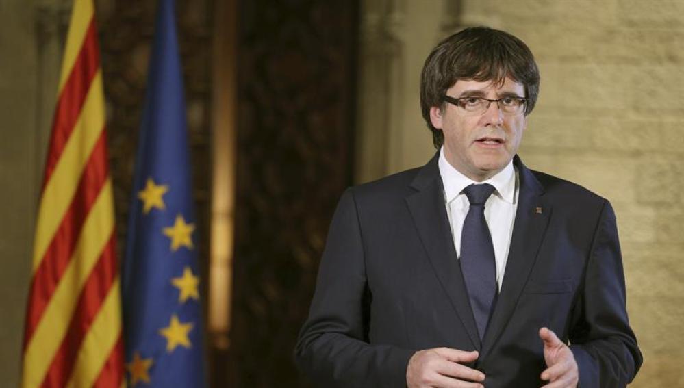 El presidente de la Generalitat, Carles Puigdemont, durante una declaración institucional