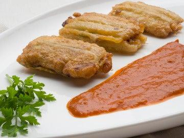 Pencas rellenas con salsa de choriceros