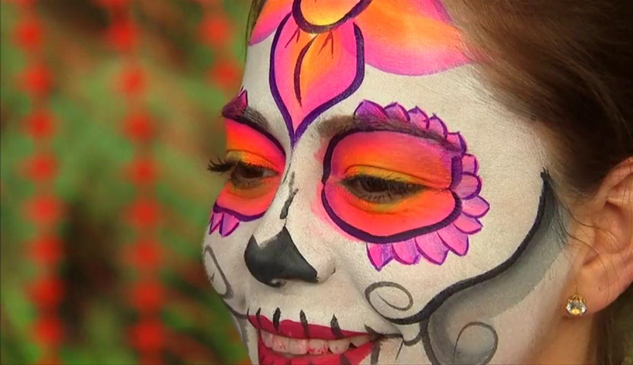 Un desfile anticipa celebración del Día de Muertos en México