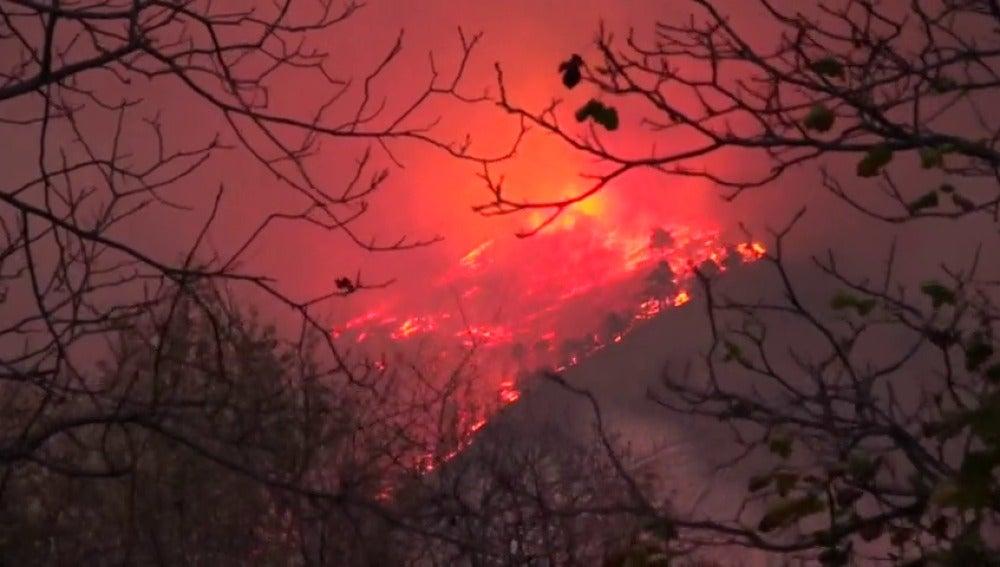 Incendio en el Valle de Susa en Italia