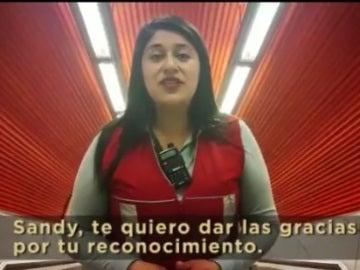 La carta viral a una empleada del Metro que calmó a un niño con autismo en Chile