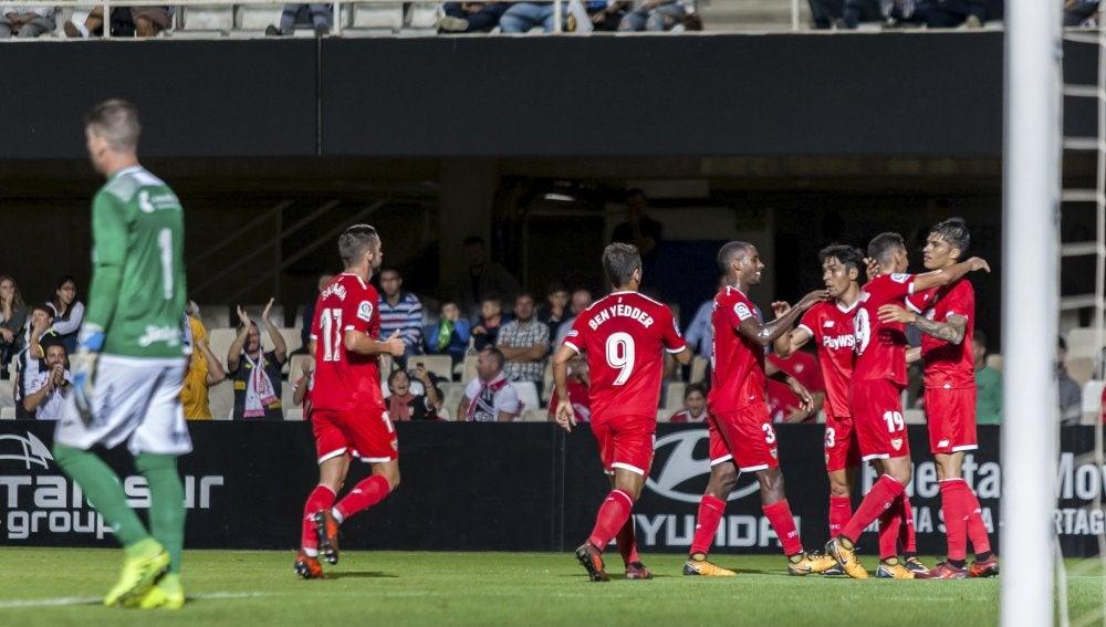 El Sevilla celebra un tanto en la victoria ante el Cartagena