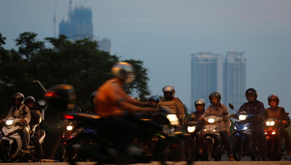 Singapur reducirá su nivel de vehículos privados a partir de 2018