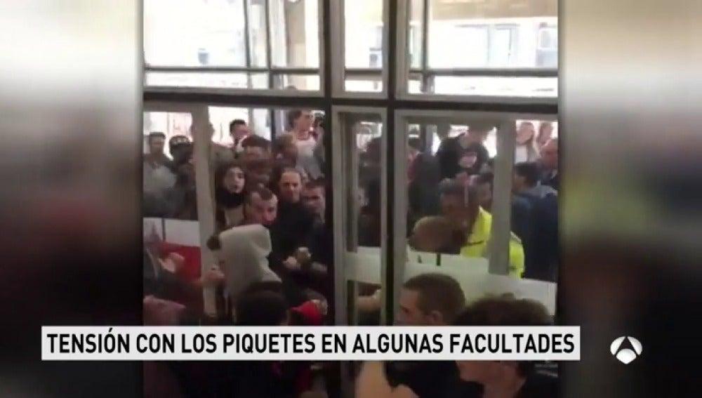 Estudiantes de la Universidad Autónoma de Barcelona inician tres días de huelga en protesta por el 155