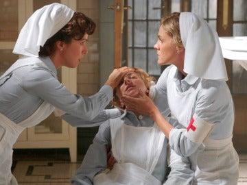 Pilar y Julia, en pánico ante las sospechas de que Magdalena tenga Meningitis