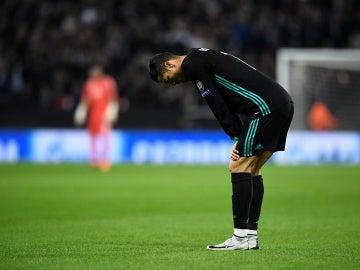 Cristiano Ronaldo, abatido tras el gol del Tottenham