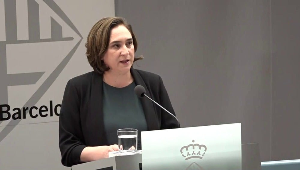 Colau cree que es por revancha y para humillar a las instituciones catalanas