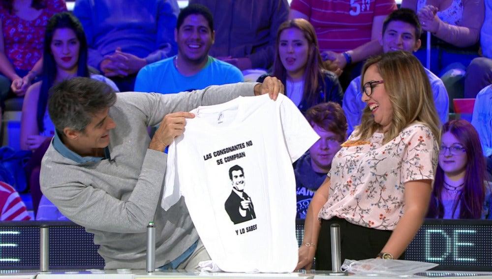 Jorge Fernández pone cara al famoso meme de Julio Iglesias